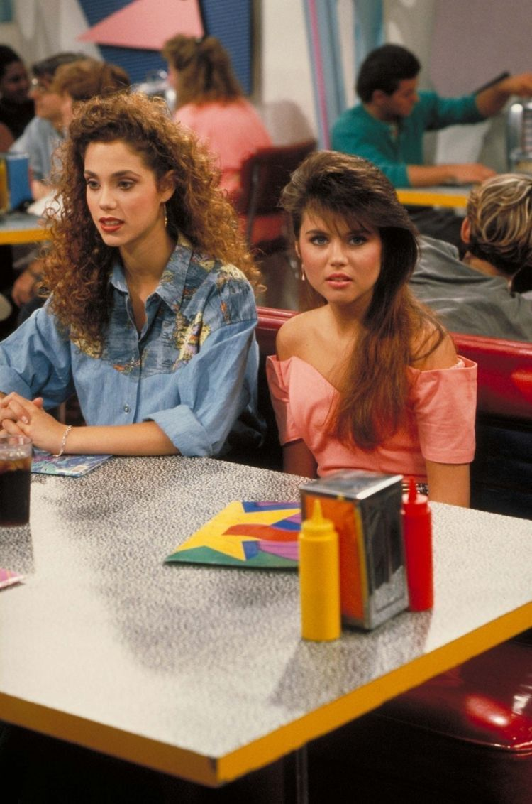 Tori randomly replaced Kelly and Jessie during the final season of Saved By The Bell. But later, as they came back in the finale, Tori disappeared.