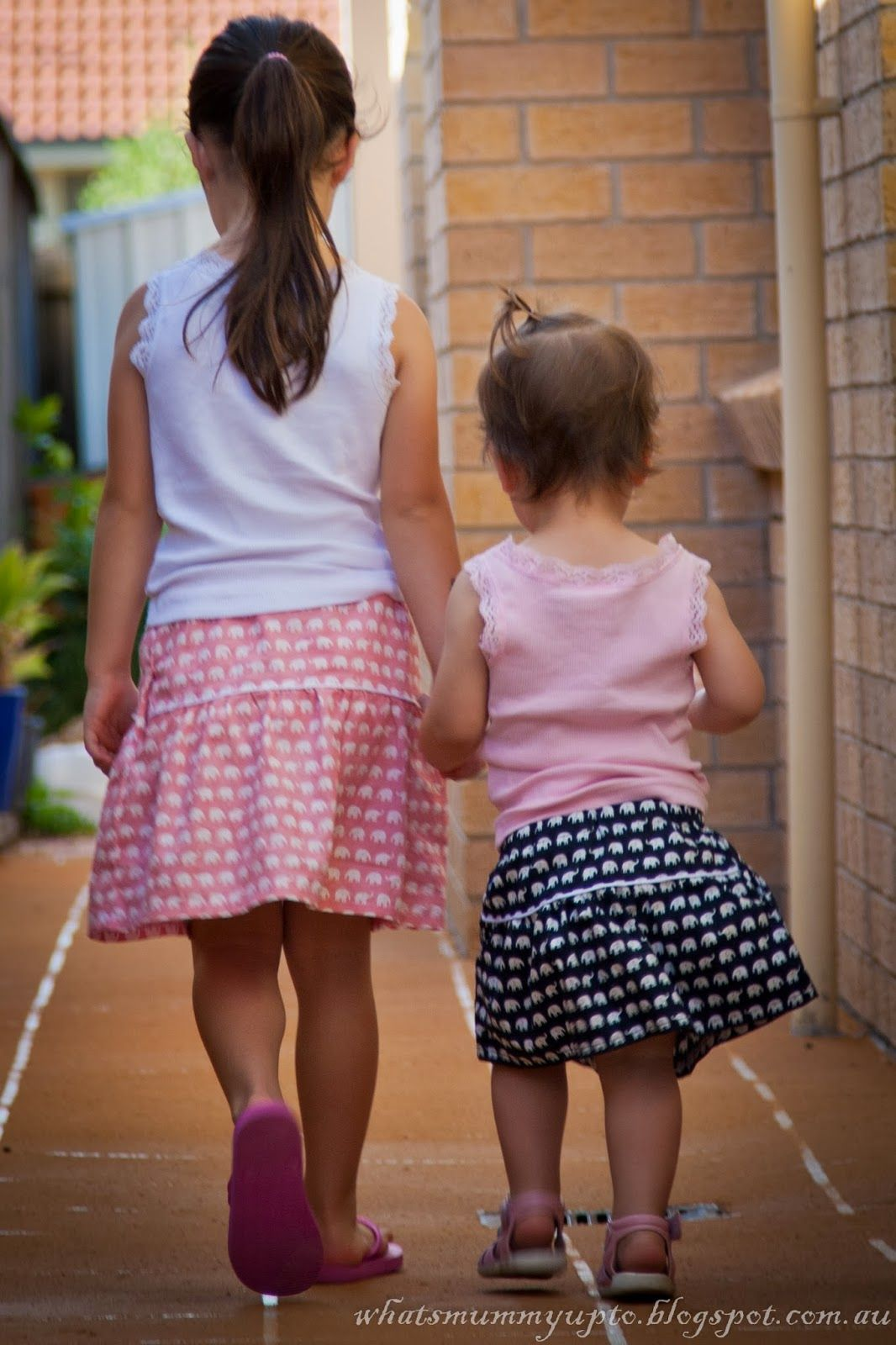 What\'s Mummy Up To ...: Tutorial - Elephant Skirt with Secret ...