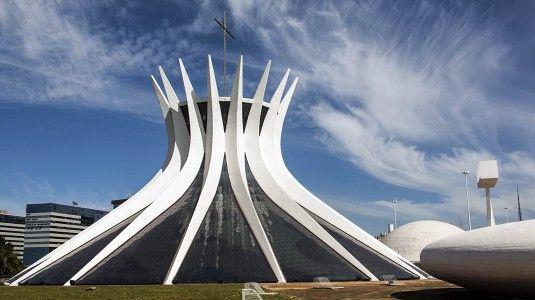 http://www.brasiloo.de/sites/default/files/styles/large/public/field/image/brasilien-kunst-architektur.jpg?itok=l-jTvhhf