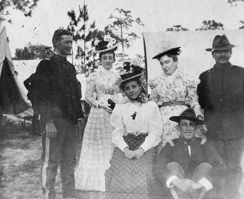 Visiting wife/family in camps Tampa Spanish-American War