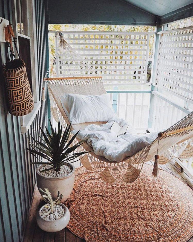 Hamaca en la terraza al aire libre en 2019 decoraci n for Terraza decoracion apartamento al aire libre