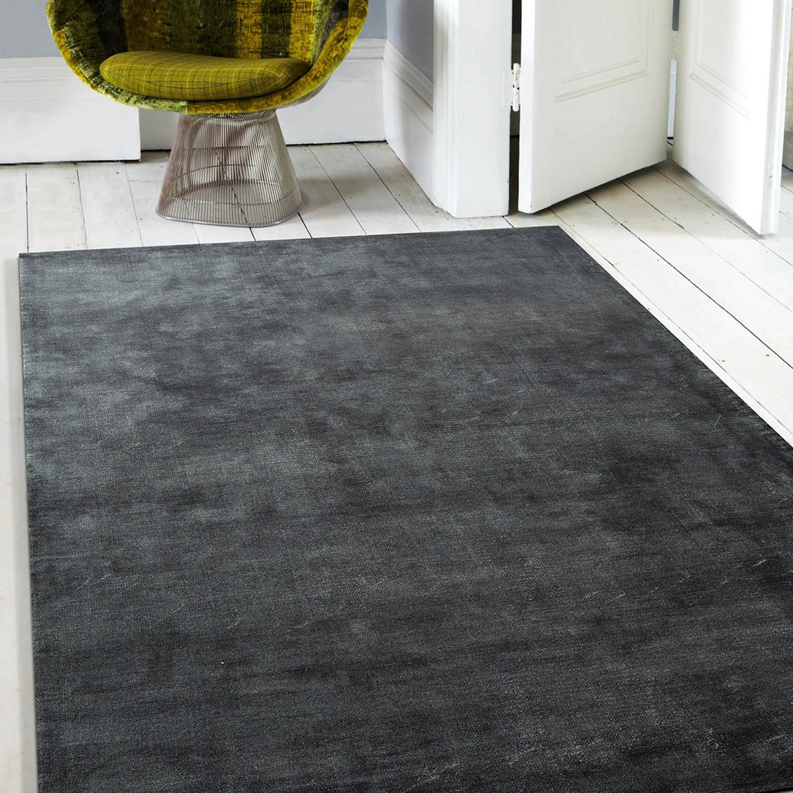 Velvet Underground Rugs feature a beautiful lustre that will suit any classic room setting. #InteriorDesign #DecorTips
