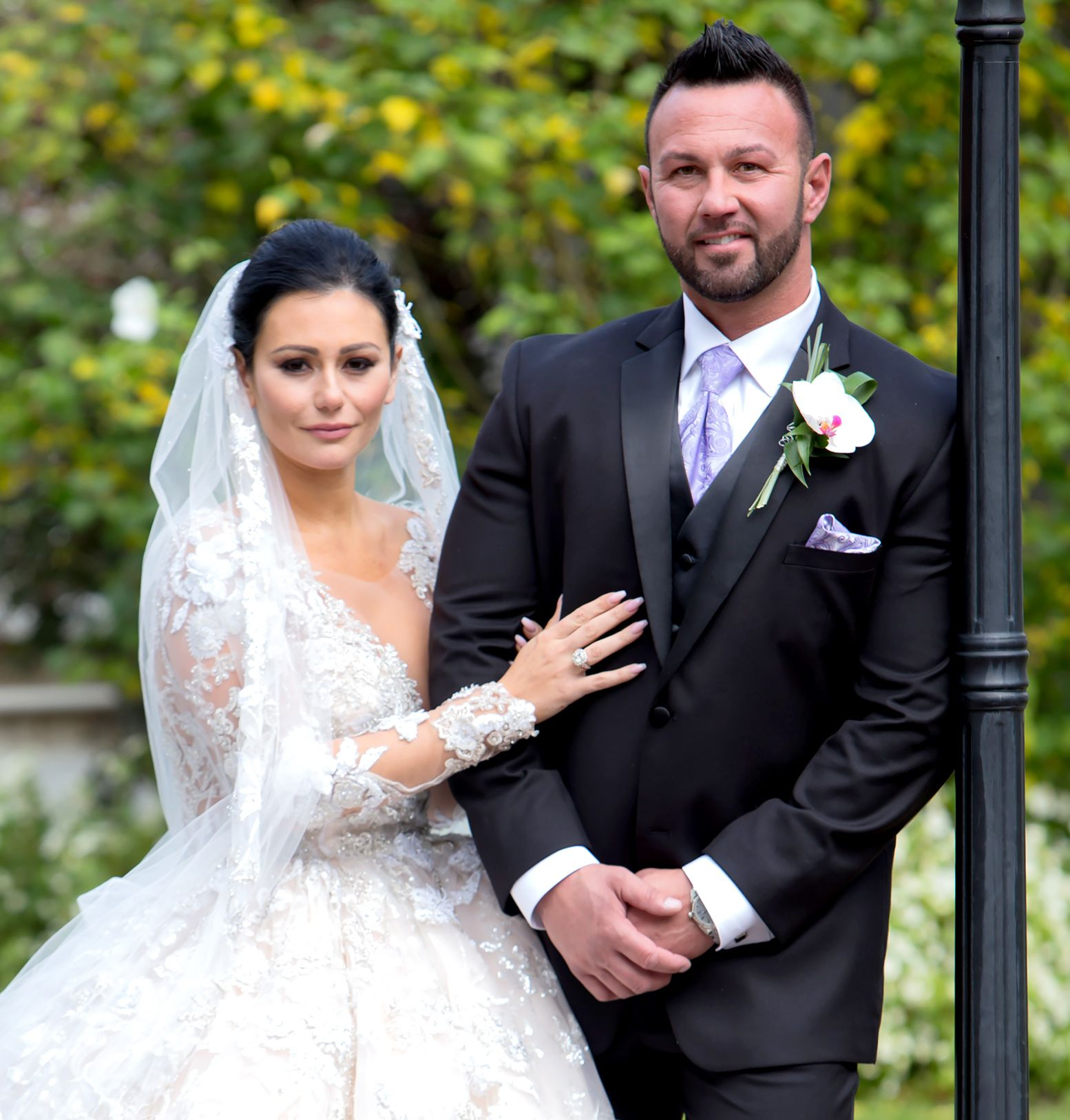 Jenni Farley And Roger Matthews Get Married On October 18 2015 Celebrity Weddings Celebrity Trends Celebrities
