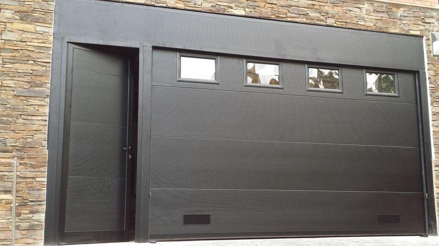18 Ideas De Puertas De Garaje Puertas De Garaje Puertas De Garage Portones Modernos Para Casas