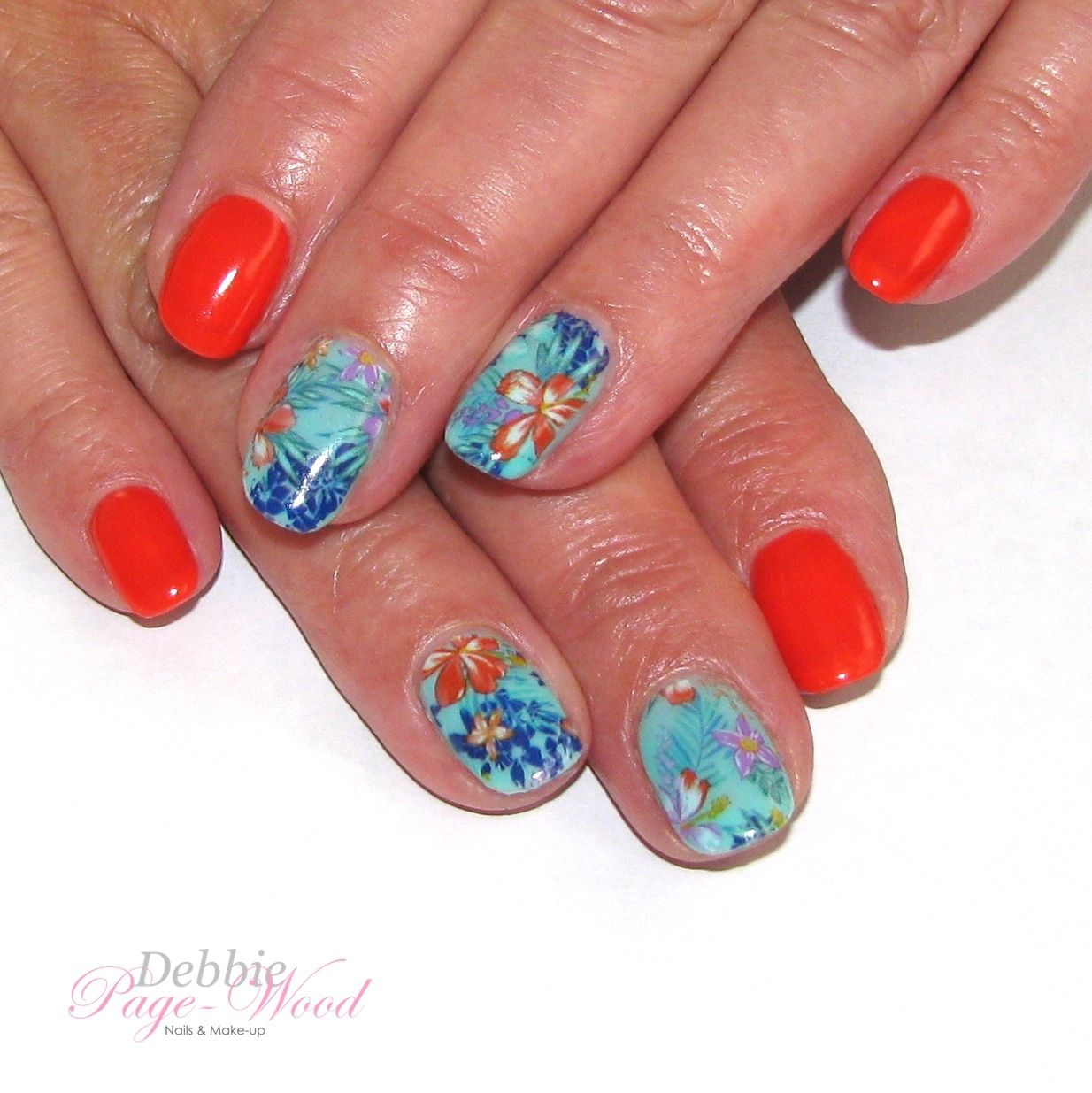 """Artistic Colour Gloss gel polish manicure in """"Sultry"""