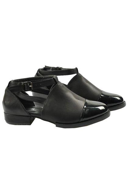 Retro Buckled Flat Heel Black Shoes
