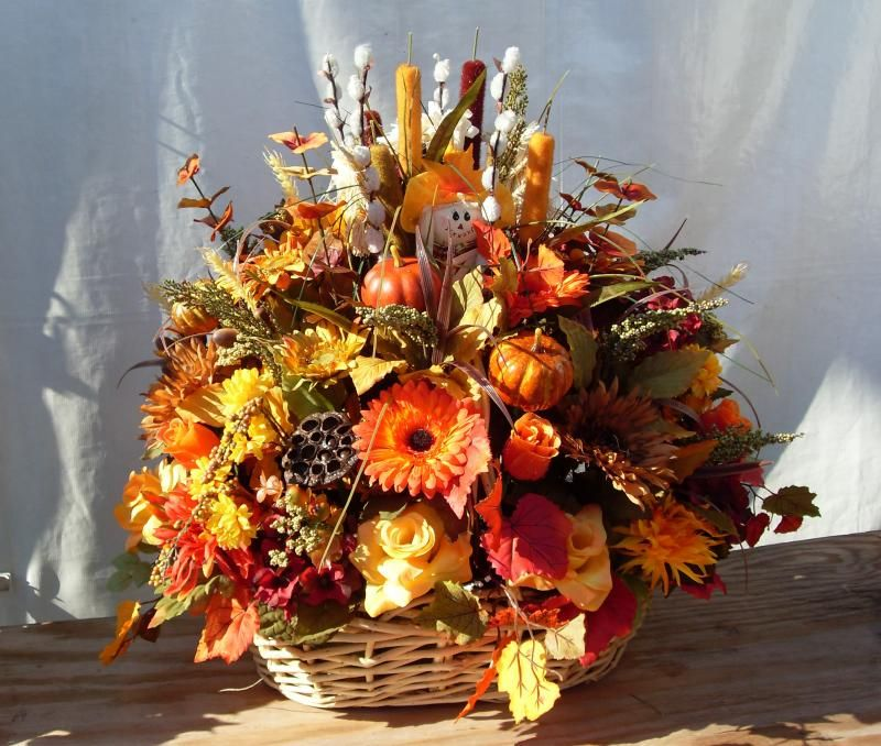 Autumn Basket Arrangements Fall Floral Arrangements Types Of Flower Arrangement Holiday Floral Arrangements
