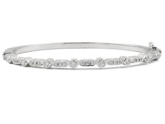 Penny Preville Medium Engraved Diamond Pavé Hinged Bangle nf0KC80dYt
