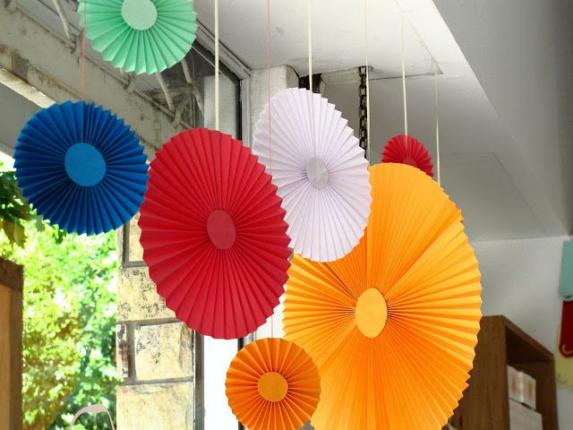 Diy Paper Party Decorations pleated paper party decorations {diy decorations}!   things to do