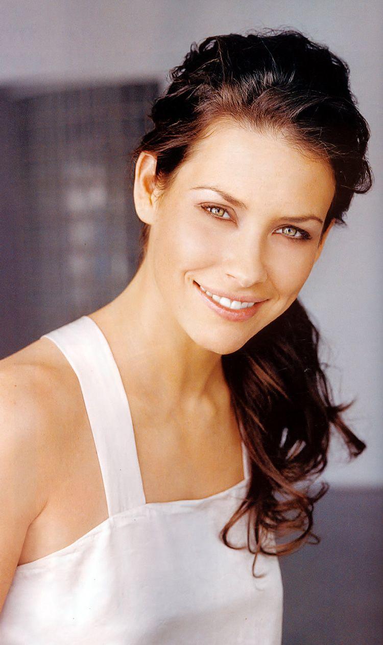 Nicole Evangeline Lilly, acreditada habitualmente como Evangeline ...