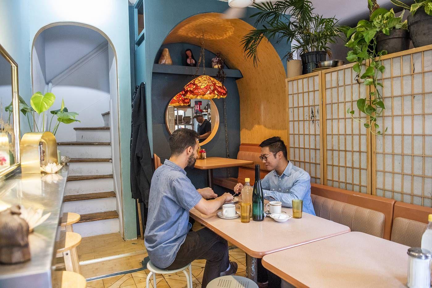 Best Brunch Bbs Diner Little Italy 76 Lippincott St Tucked Next Door To Aunties And Uncles This Filipino Brunch Spo Toronto Restaurants Restaurant Diner