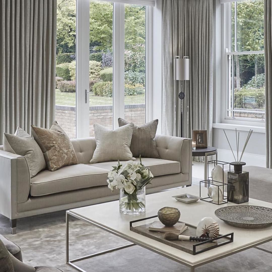 Beautiful living room from a great designer in the UK. Sophie ...