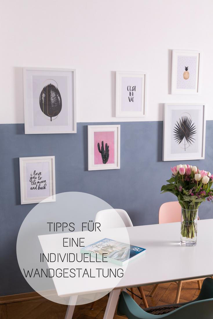 Tipps Und Ideen Für Eine Individuelle Wandgestaltung: Wand Halb Blau  Gestrichen Mit Gerahmten Bildern.