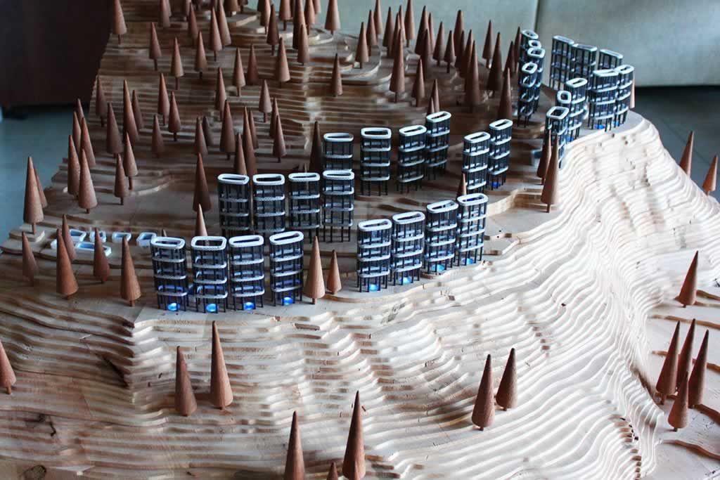 MAQ CEAN__La maqueta está formada por una gran pieza que reproduce la montaña y el conjunto del C.E.A.N. Para ello se ha hecho la maqueta de una sección real de la montaña a escala 1:200