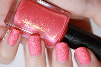 """Sugar mat 641 """"Strawberry Pink"""" de Kiko by diamant sur l'ongle"""