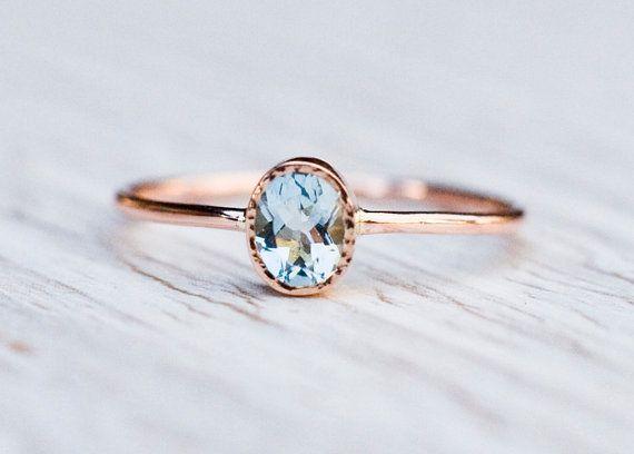 Aquamarine engagement ring in 14k Rose Gold Valentine's von ARPELC #aquamarineengagementring