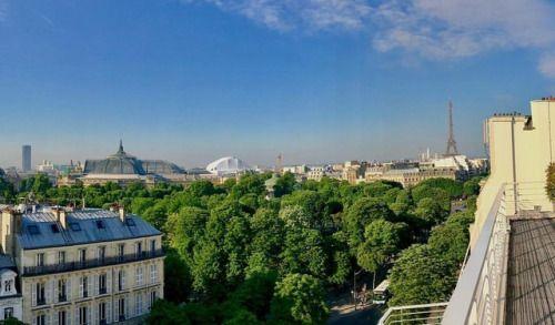 super populaire 8c6ab b8b25 That's a meeting room with a view! (à Hogan Lovells Paris ...