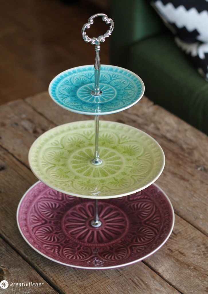 Diy make yourself a cake stand set for plates and cups