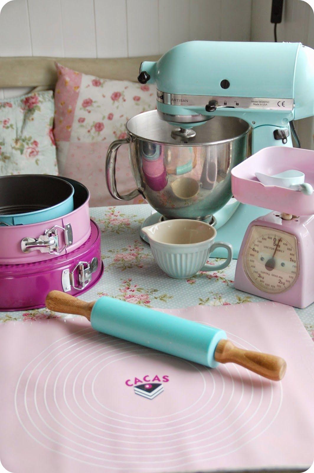 Colorful Kitchen Supplies: Utensilios Para Hornear, Utensilios