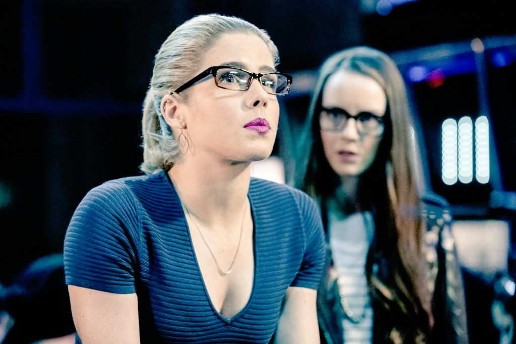Felicity Smoak and Helix in 5.18
