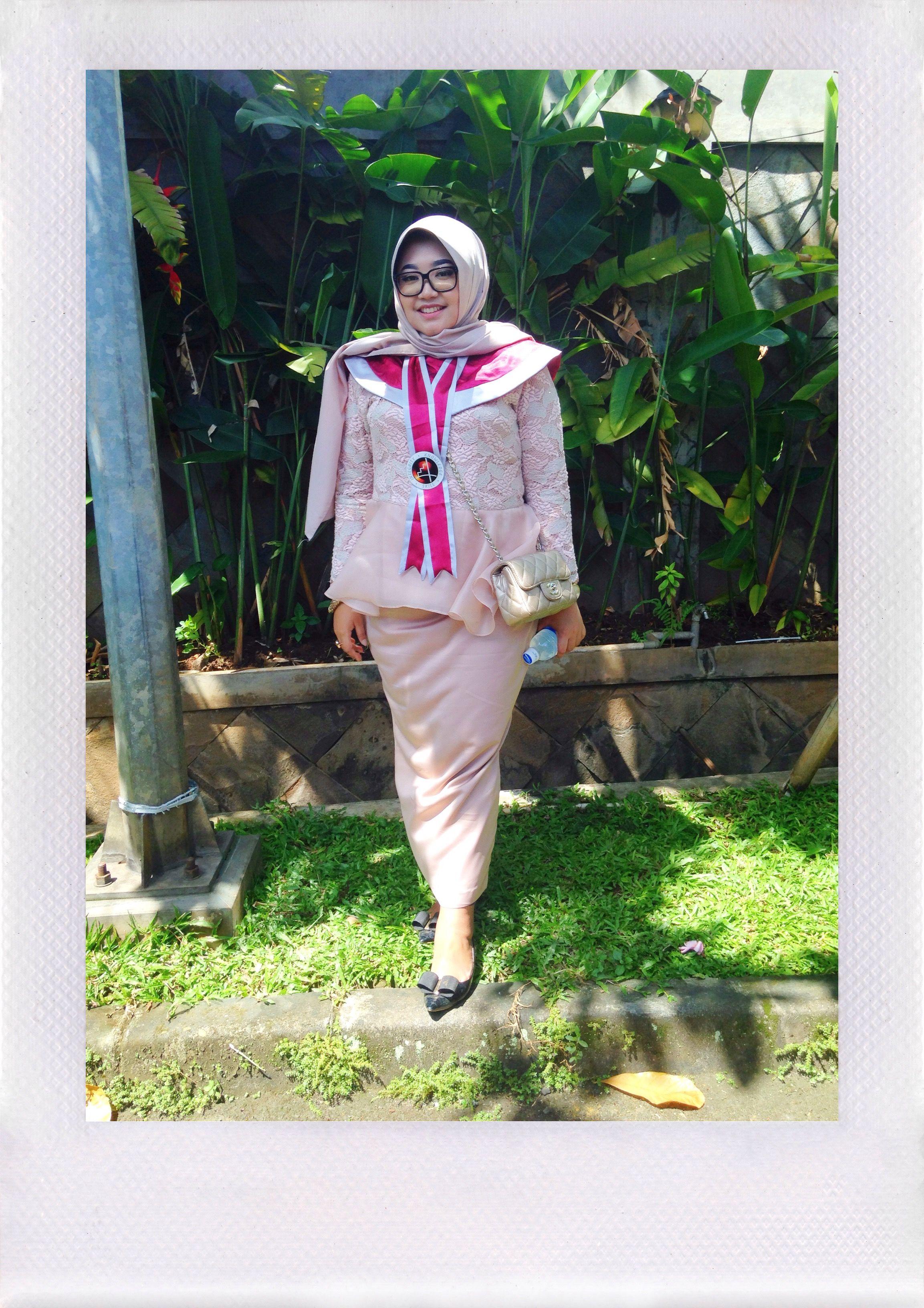Photo of Kebaya for my graduation 🎓 #Kebaya #Lace #PinkLace #LaceDress #Mauve #Graduat…