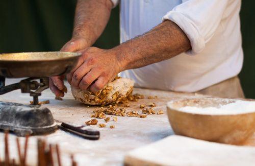 Farina di noci: 3 ricette e dove comprarla