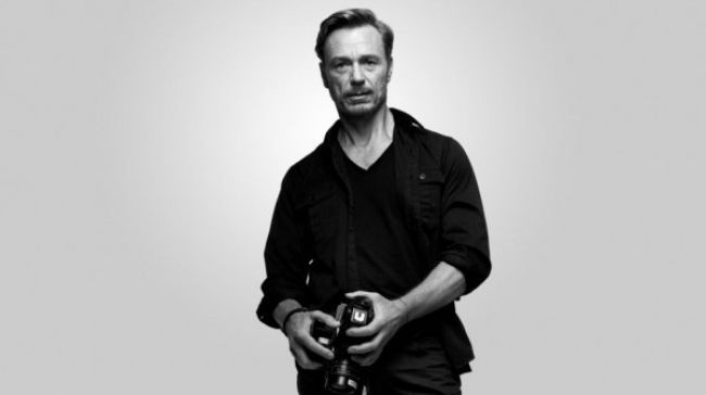 Ben Daniels As The Sexy Photographer Adam Galloway In House Of