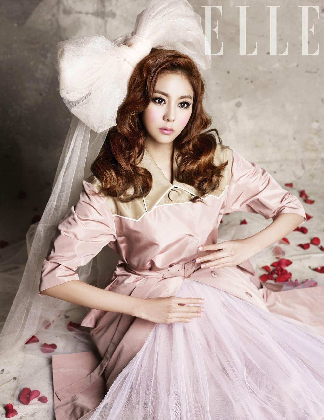 Photos K Pop Idols And K Drama Stars Who Look Like Dolls Kpop Fashion Fashion Korean Fashion Trends