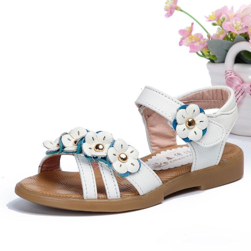 4ef662eef Resultado de imagen para sandalias con adornos niñas