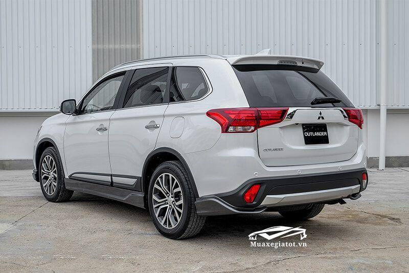 Gia Xe Mitsubishi Outlander Vans