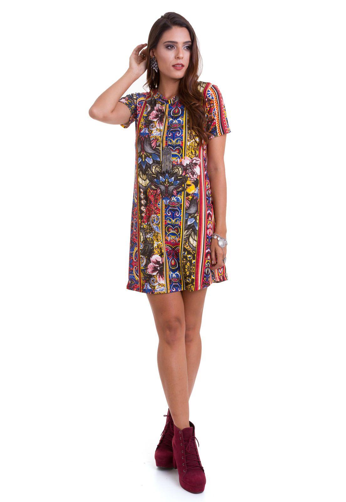 d3a370e09 O vestido rodado estampado da Manola composto em viscolycra e modelagem  reta é leve, solto
