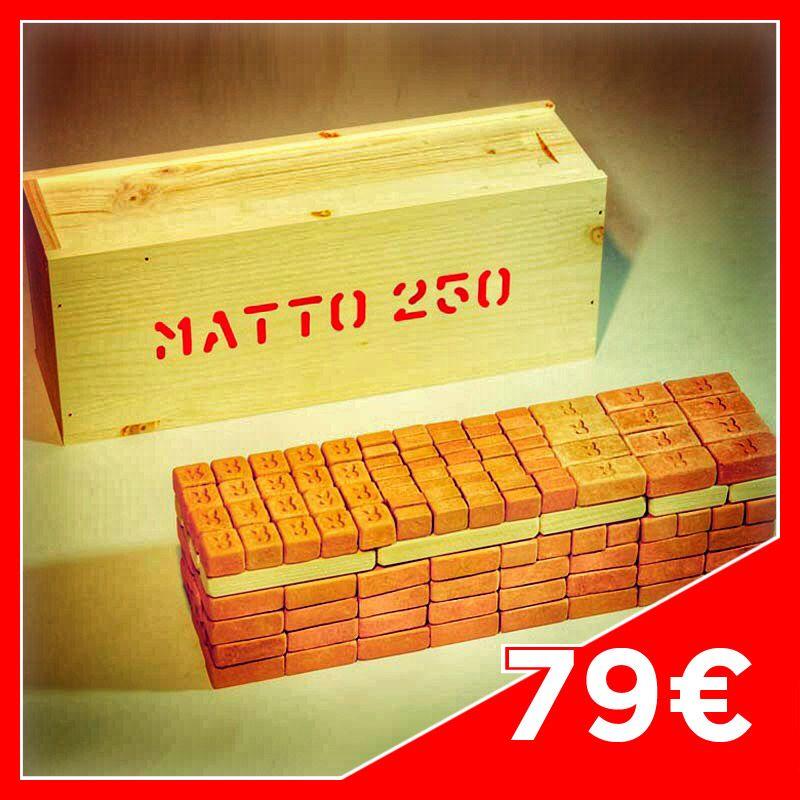 MATTO Case 250  Contents: 124 big Bricks 40 medium Bricks 64 small Bricks 4 Joists n°9m 2 Joists n°7m 6 Joists n°6 6 Joists n°4 4 Joists n°3  Case in fir wood.