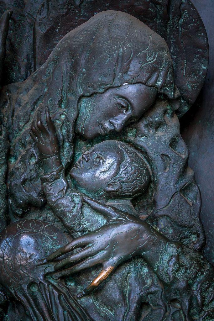 Bronze Maria