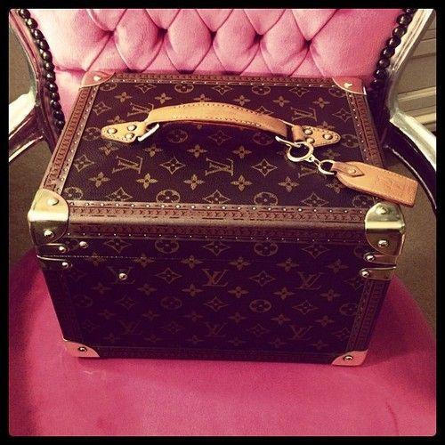 Louis Vuitton - Vanity Case
