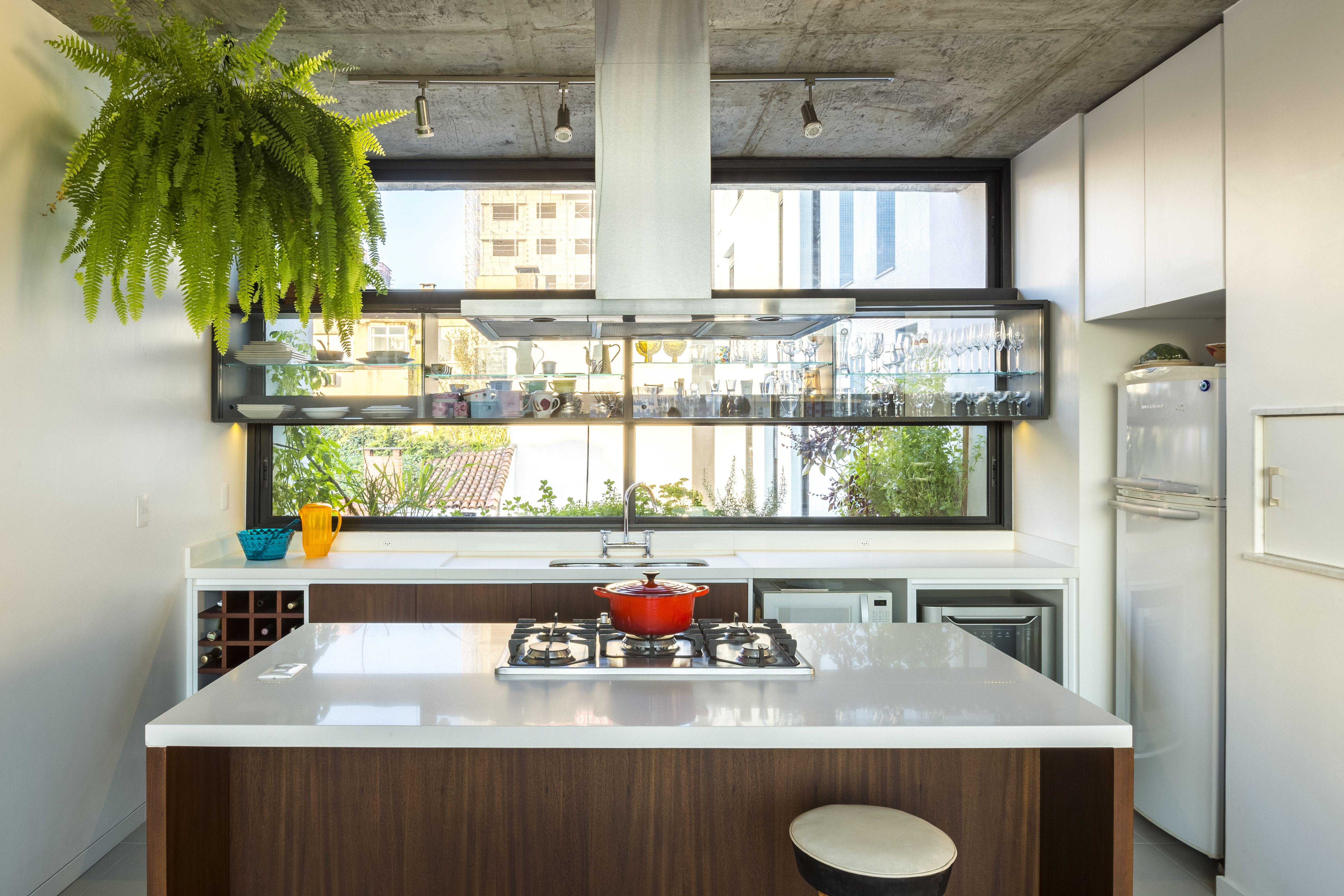 Apartamento de 125 m² com decoração clean e toques de madeira ...