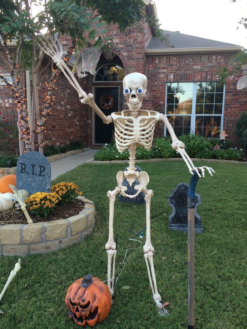 Skeleton waving from our yard Halloween diy outdoor, Fun