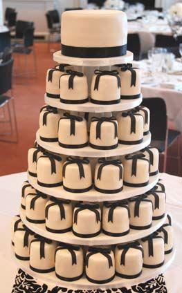 Black Bow Mini Cakes Madagascar Vanilla Bean Cake Amedei Chuao White