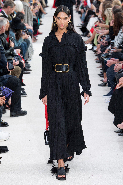 Spring 2019 Couture: 22 образа в уличном стиле. Париж, Франция, наше время