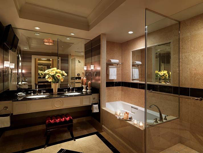 Photo Album Website Palazzo Las Vegas that us right they have a tv in the bathroom
