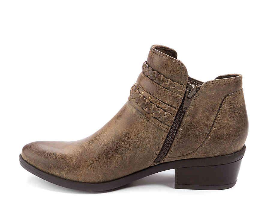 2523c182a050 Bare Traps Giles Bootie Women s Shoes