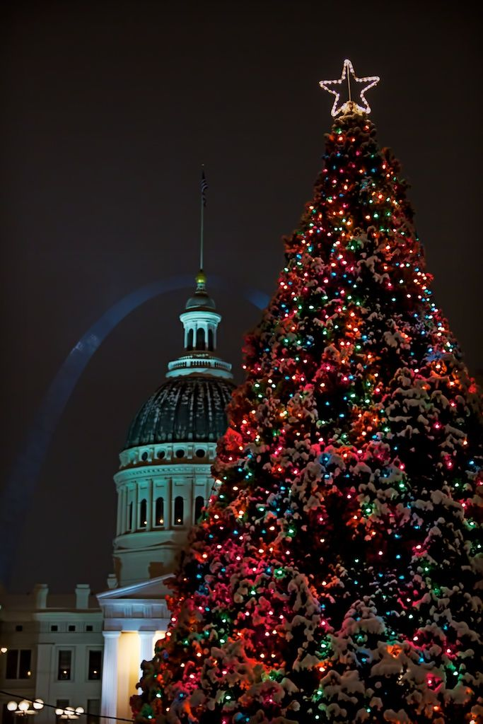 Christmas Light Displays In St Louis.Christmas Tree Downtown St Louis Missouri Ippertravel