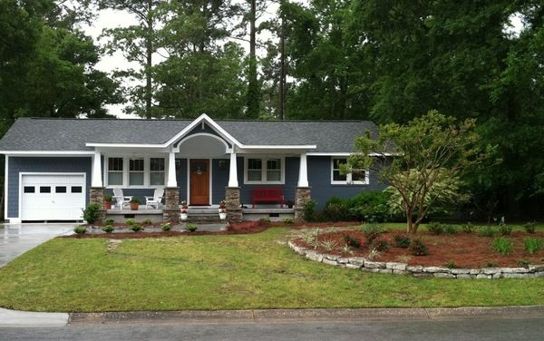 Curb Appeal My House Got A Facelift Houzz Ranch Style Homes House With Porch Porch Design