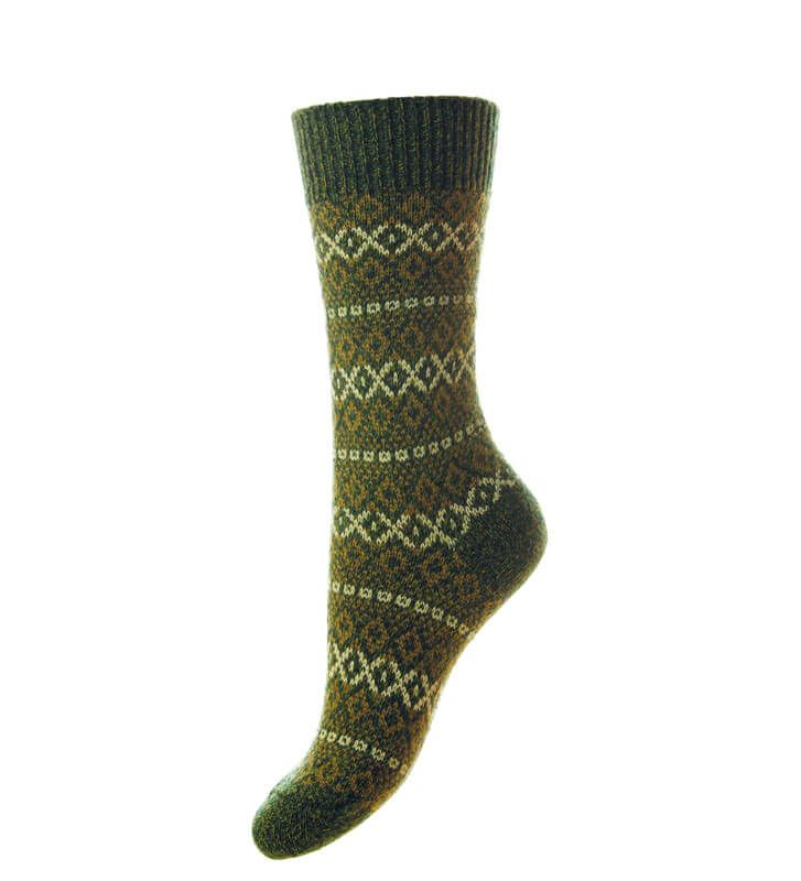 Women's warm chunky knit fairisle wool socks in natural colour ...