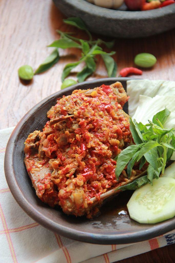 Ayam Betutu Khas Bali (Betutu Chicken Made in Bali)