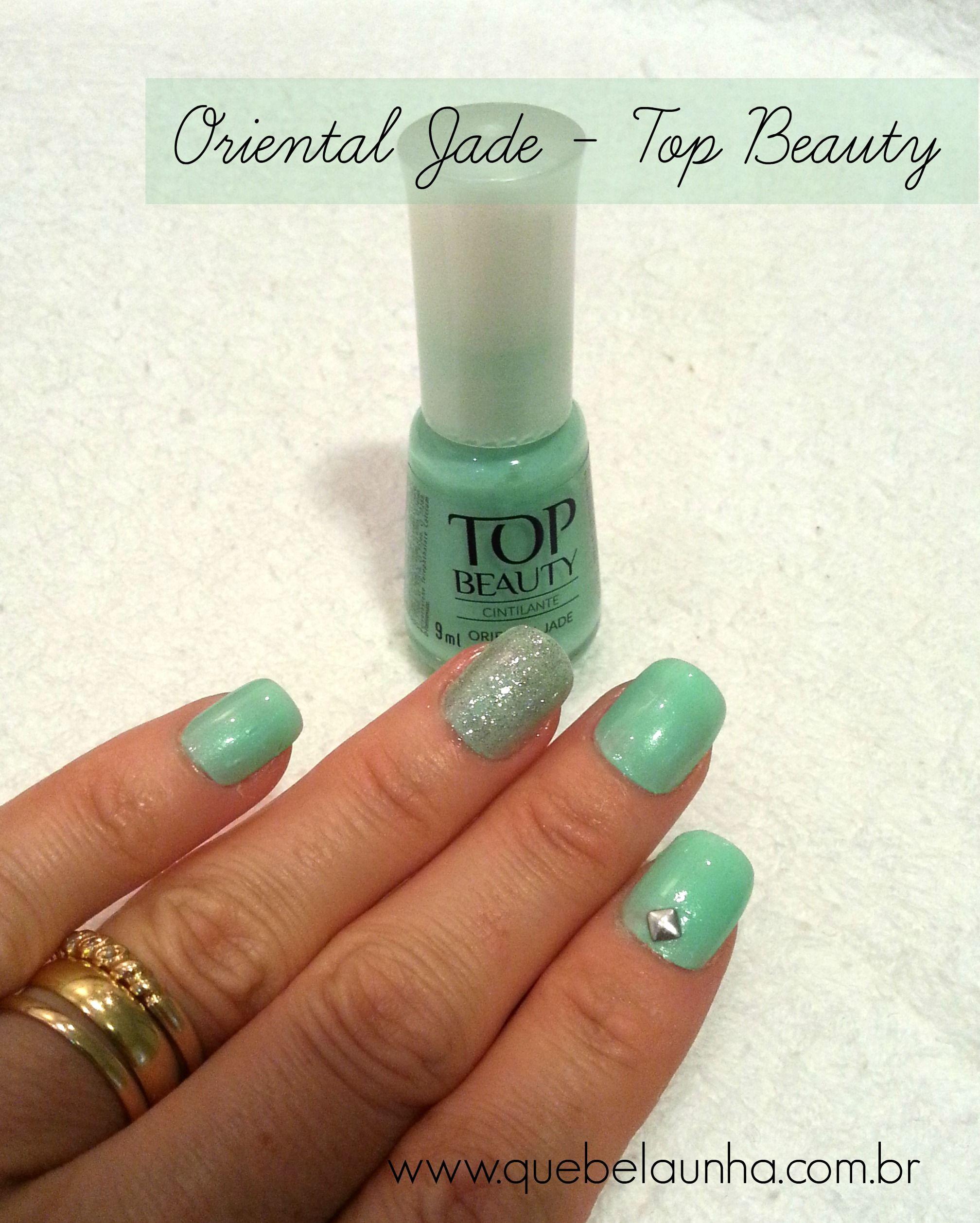 Oriental Jade da Top Beauty + Glitters + Aplique Metálico quadrado.  Verde água maravilhoso.  #topbeauty #esmaltes #unhas #nailart