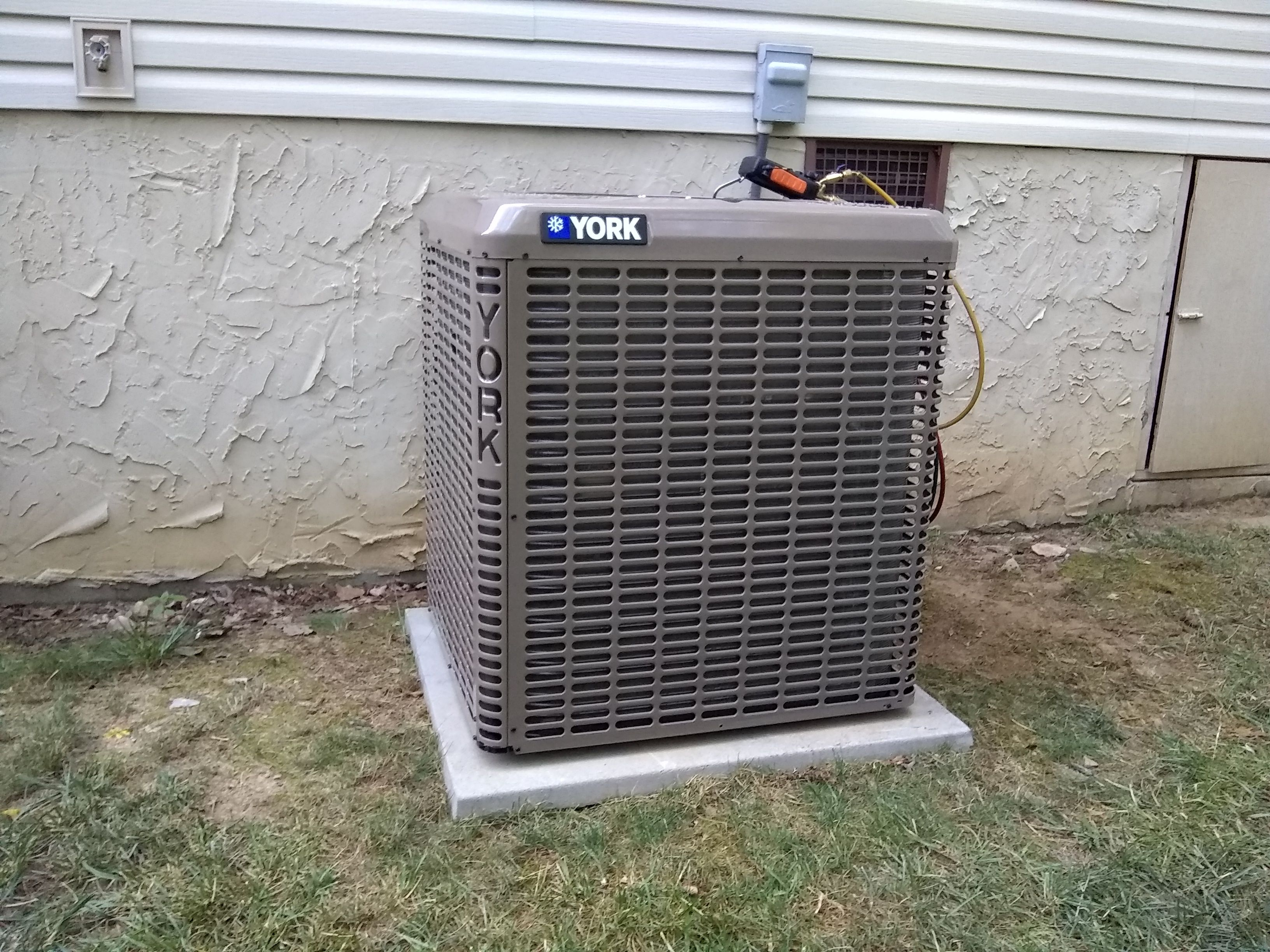2018 York Heat Pump 15.25 SEER Heating, cooling, Heat pump