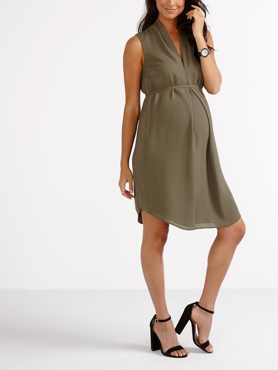 50eb0eef31a Set your sights on summer with this pretty maternity dress! It has a  V-neck