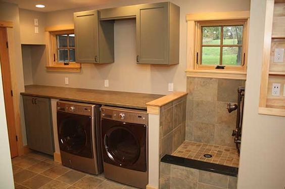 Built In Dog Shower Happier Owner And Dog Read This How To On How To Build A Custom Dog Shower Dream Laundry Room Laundry Room Design Laundry Room