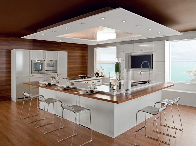 U Shaped Kitchen Design With Good Plenty Of Lighting Are A Must Is A Plus