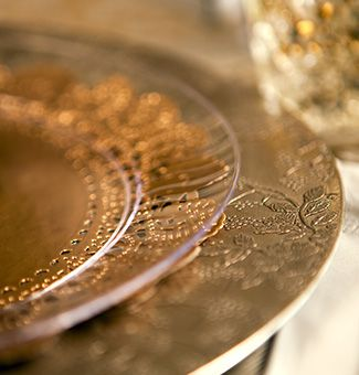 Love the dollies under the clear plates. Brought to you & Elegant Disposable Place Settings | Elegant Crystals and Thanksgiving